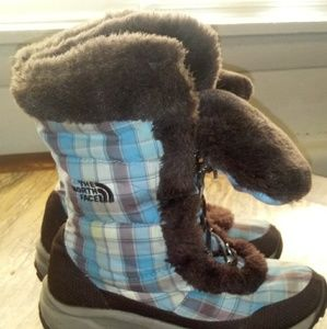 Big Girls snow boots size 3